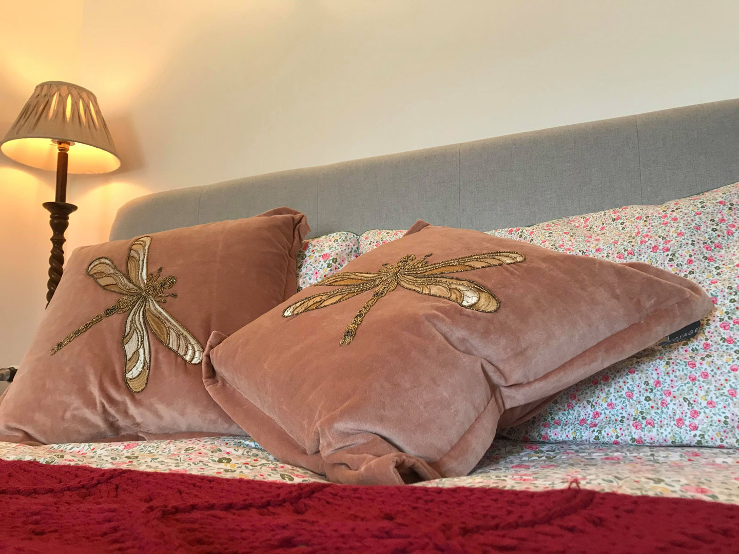 Pink dragonfly bedding | Hotel in the Highlands