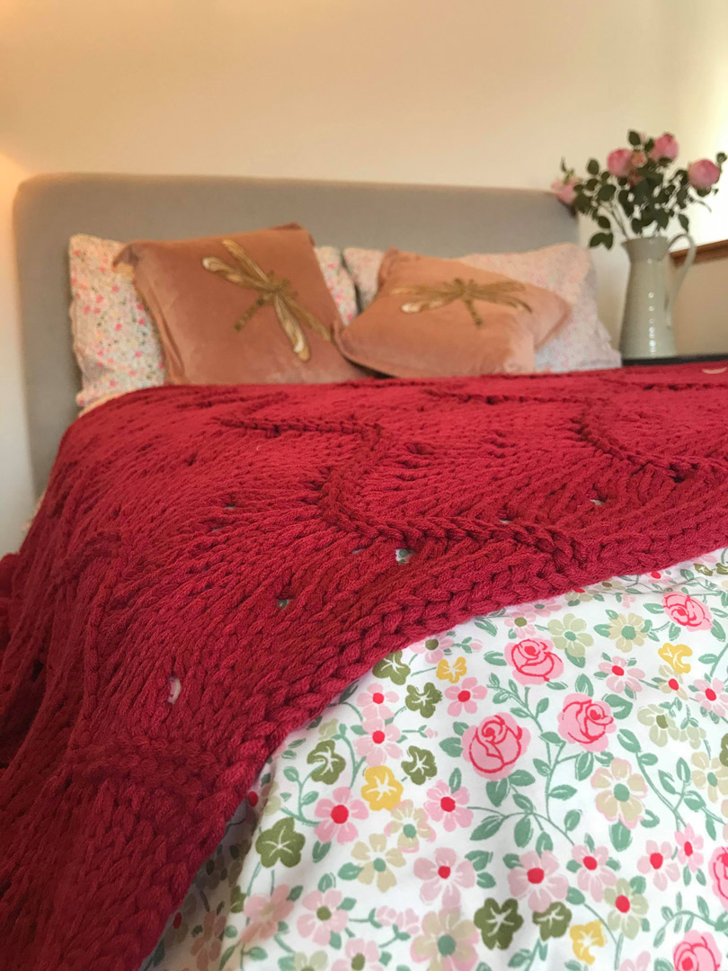 Pink and red bedding | Hotel in the Highlands