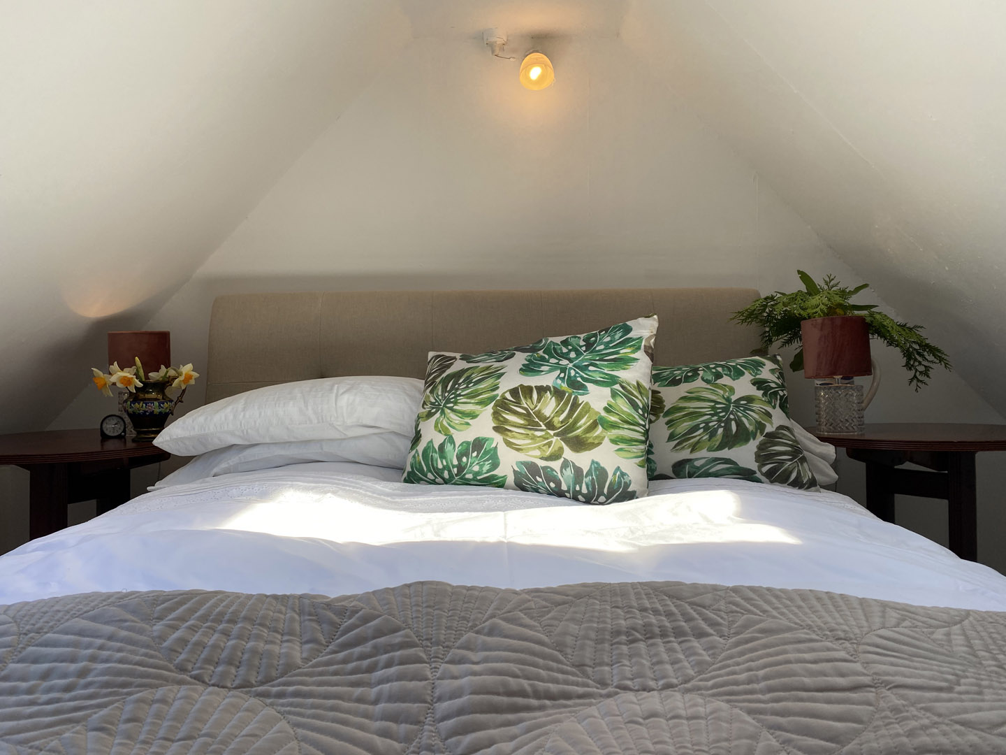 Boho style bedroom | Hotel in the Highlands